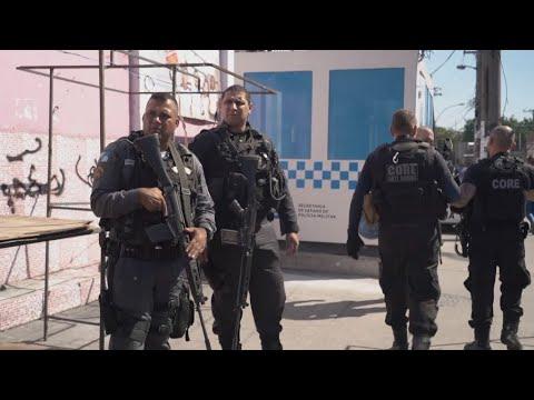 Rio : les snipers de la police brésilienne face aux trafiquants de drogue