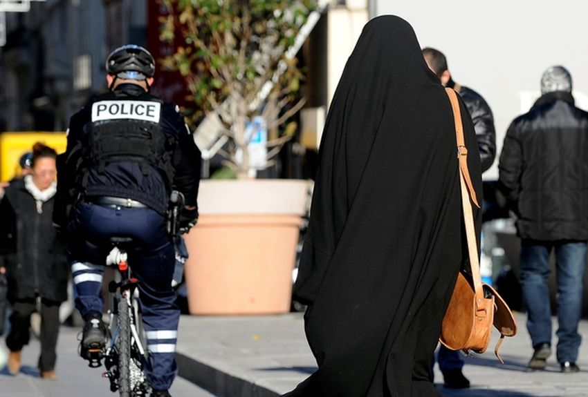 Marseille : 3 mois de prison avec sursis pour la femme voilée
