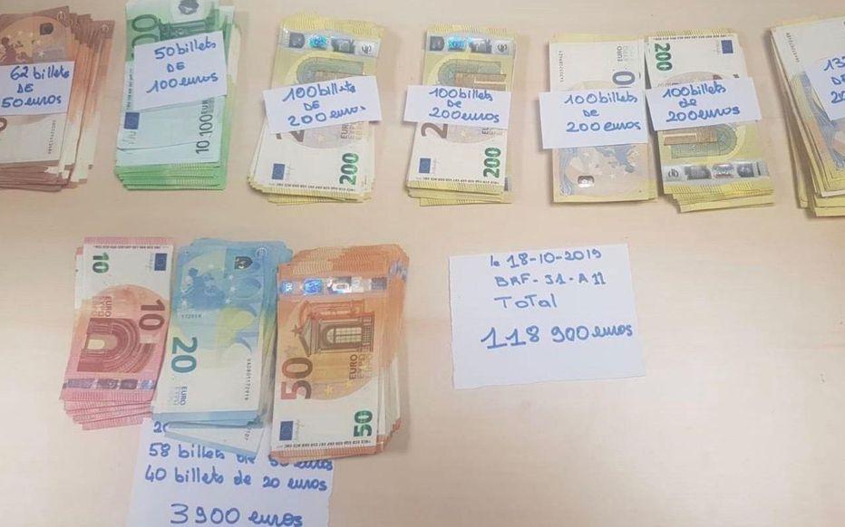 Paris. Les policiers découvrent 30.000 € dans les chaussettes de Johnson et près de 120.000 € sur Mamadou