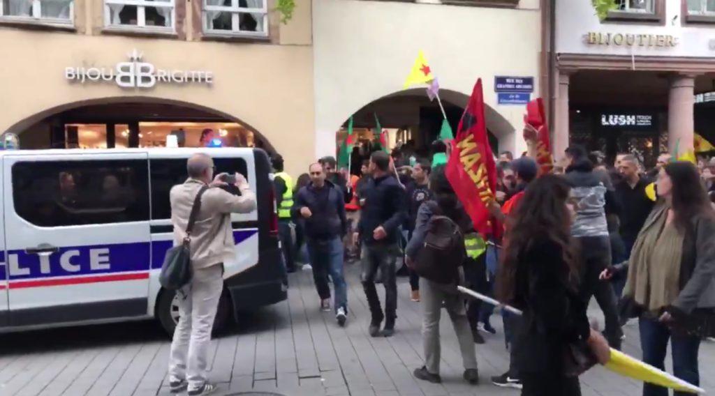 Strasbourg (67) : Échauffourées entre turcs et kurdes lors de la manifestation en soutien aux kurdes