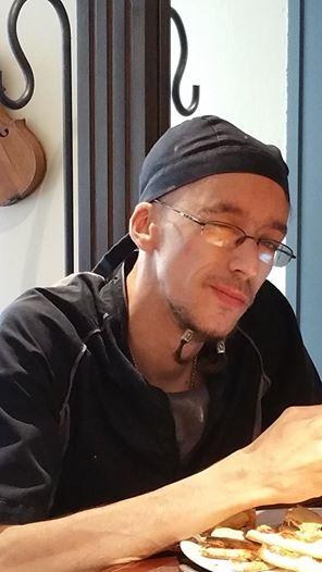 Chambéry : Emmanuel D. décède, poignardé de 40 coups de couteau dans le dos (MàJ : un mineur de 17 ans s'est rendu)