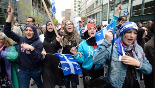 Québec : le voile musulman agite aussi la société