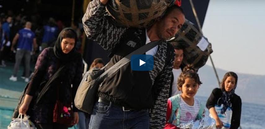 Grèce : après l'incendie de leurs camps, des centaines de migrants transférés à Athènes depuis les îles de Lebos et de Samos