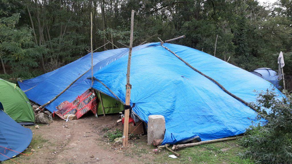 Achères (78) : 400 migrants tibétains en proie au froid et à la pluie