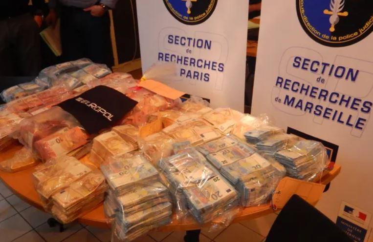 Marseille : un réseau berbère devant la justice pour avoir blanchi 400 millions d'euros de la drogue