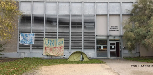 Metz (57) : des migrants occupent le gymnase du Luxembourg, toutes les activités sportives sont stoppées