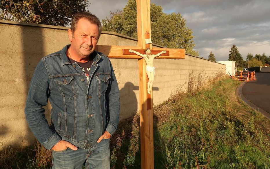 Yvelines : un calvaire ressuscité grâce à un maire athée