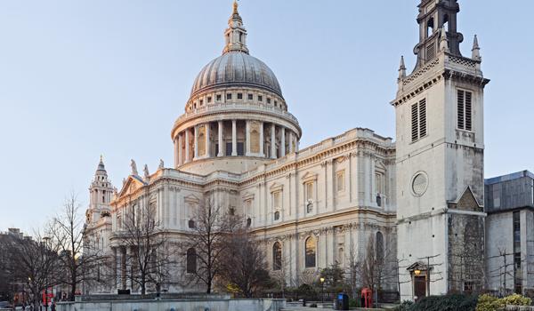 Londres : Safiyya Amira Shaikh, une djihadiste de 36 ans, inculpée pour avoir projeté d'attaquer la cathédrale Saint-Paul