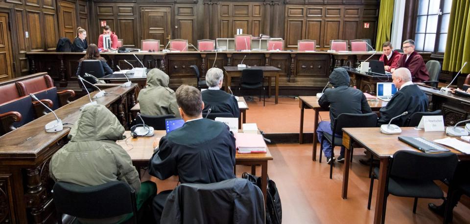 Hambourg (All.) : Trois Irakiens jugés pour une tentative d'attentat. Leur but était de tuer ou de blesser un maximum de personnes non musulmanes