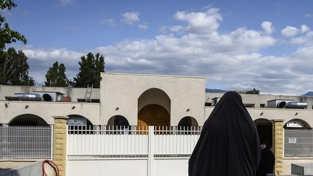 Sondage. Deux Français sur trois favorables à l'interdiction du voile lors des sorties scolaires