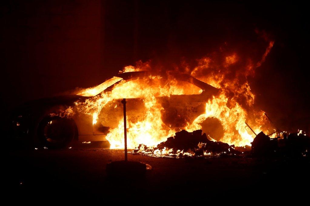 Malte : émeutes et voitures brûlées dans un centre de migrants