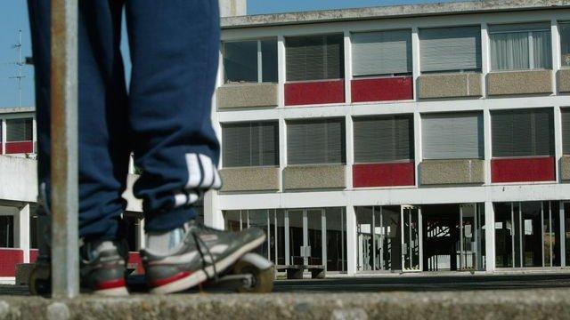 Genève : un enseignant tabassé dans un collège, 6 élèves de 12 à 15 ans embarqués par la police