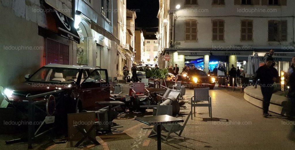 Vienne (38) : un migrant ivoirien de 17 ans vole une voiture et fonce sur la terrasse d'un café, 6 blessés (MàJ : il sortait de garde à vue)