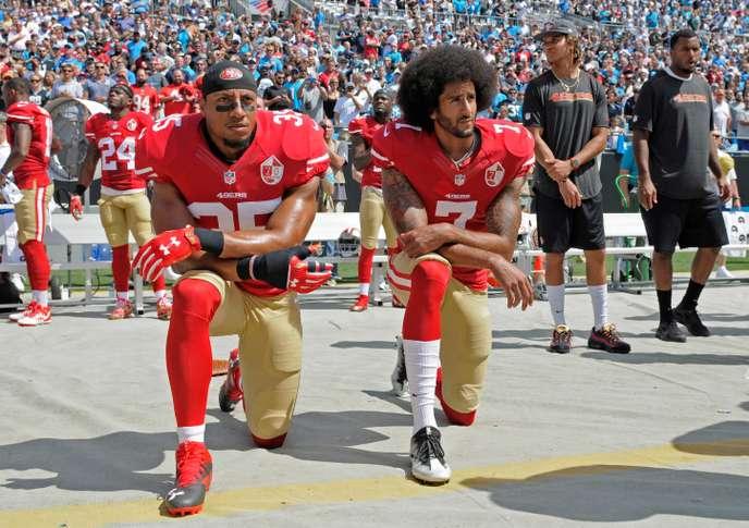 Salut militaire, crâne rasé, poing dressé, genou à terre… quand le sport rime avec gestes politiques