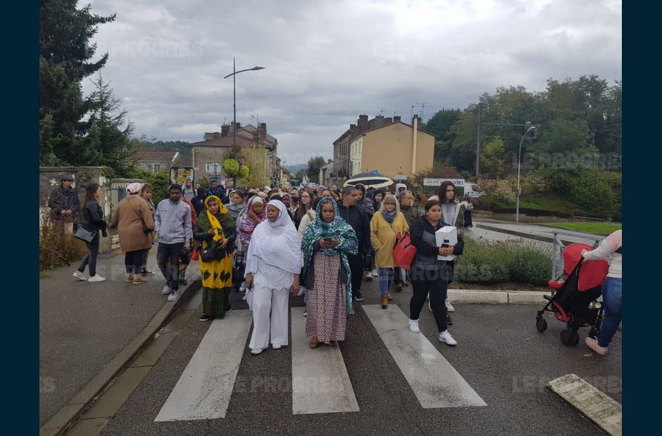 Firminy (42). 300 personnes défilent en hommage à Hania, décédée accidentellement