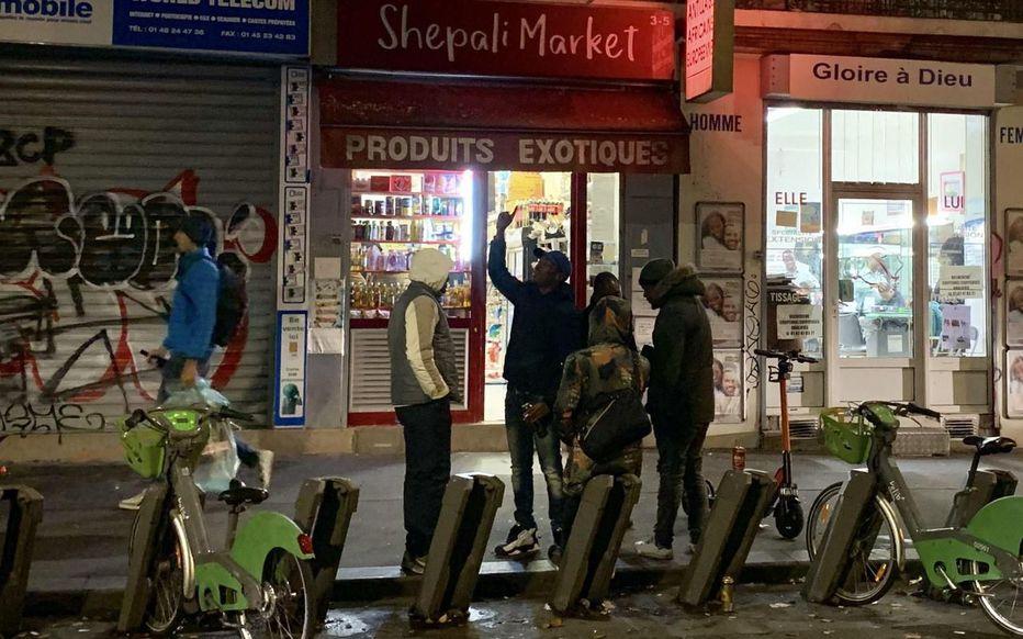 Paris : les épiceries de nuit font cauchemarder les riverains