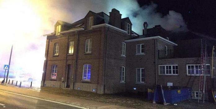 Bilzen (Belgique) : des «réactions de haine» après l'incendie criminel d'un futur centre d'accueil pour migrants (MàJ)