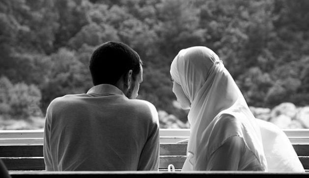 Condition féminine : Un sondage ifop pour Elle révèle d'importantes différences entre Français musulmans et l'ensemble de la population. Elle ne reprend aucun chiffre dans ses colonnes (màj)
