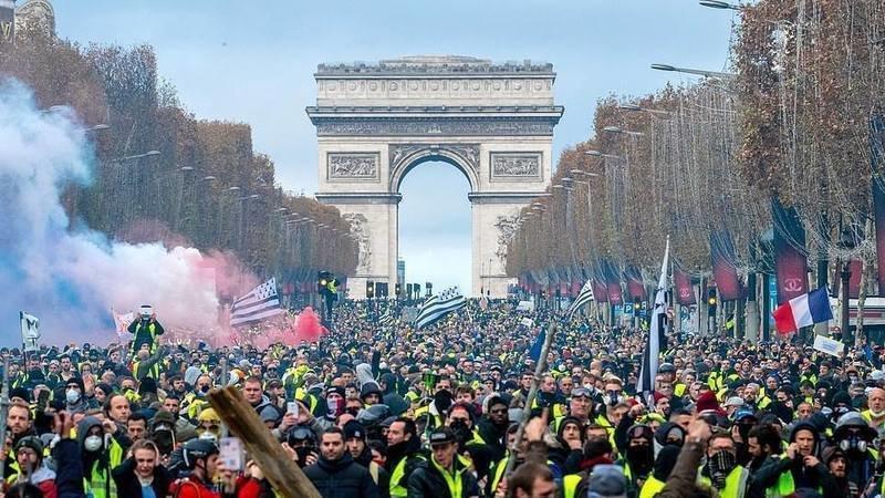 Un an des Gilets jaunes : «mobilisation exceptionnelle» des forces de l'ordre ce week-end à Paris