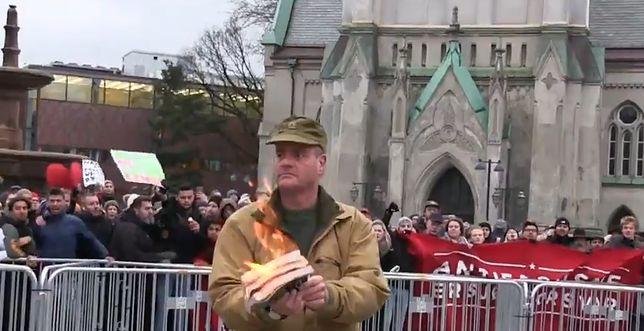 Norvège : Un militant anti-islam violemment attaqué après avoir brûlé le coran