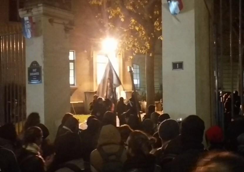 Paris : des étudiants s'introduisent dans la cour du ministère de l'Enseignement supérieur