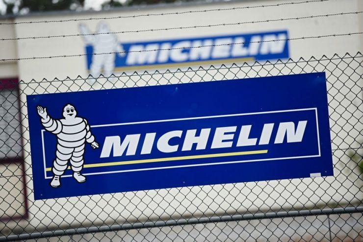 Pourquoi le bonhomme Michelin est-il blanc ?