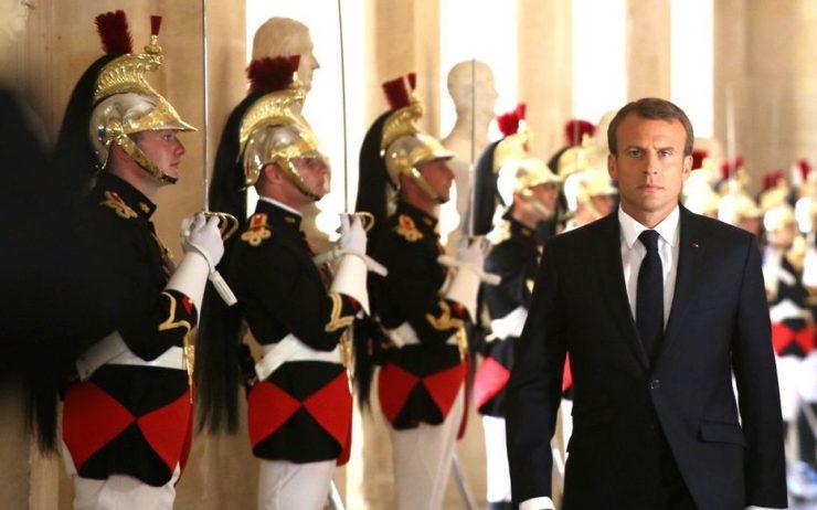 Communautarisme, laïcité… au Panthéon, Macron veut tenter de reprendre la main