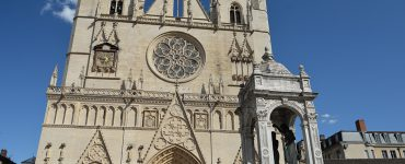 Lyon : Il affirme devant la cathédrale qu'il va «tuer tout le monde avec une Kalachnikov», un homme interpellé