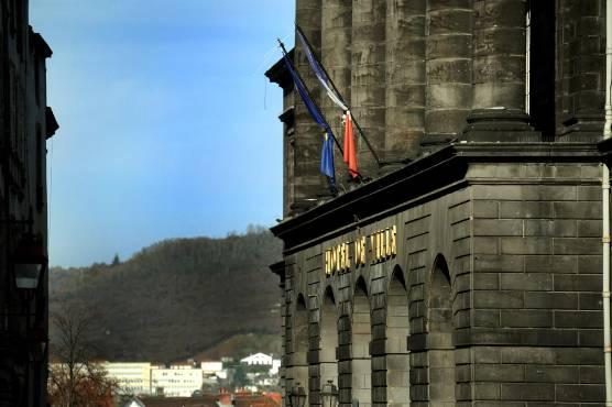 Un ancien conseiller municipal de Clermont-Ferrand condamné à six mois de prison avec sursis pour agression sexuelle
