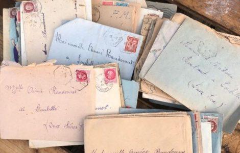 Elle sauve de la benne des lettres d'amour datant de la Seconde Guerre mondiale