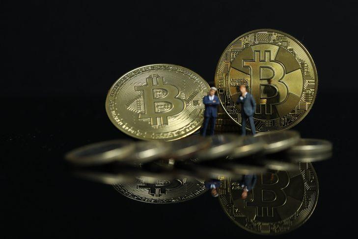 Bitcoin, enquête pour blanchiment dans huit villes de France