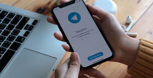 Apple poursuivi en justice pour ne pas avoir banni Telegram