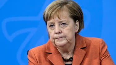 "Merkel juge ""problématique"" la suspension du compte Twitter de Trump"