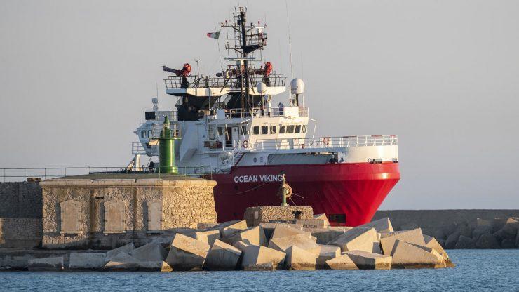 «Ocean Viking», le navire de SOS Méditerranée, a sauvé 424 migrants en Méditerranée