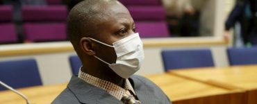 """""""Il buvait du sang"""": la justice finlandaise face aux atrocités de la guerre civile au Liberia"""