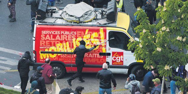 INFO JDD. Violences anti-CGT du 1er-Mai : la note qui accuse les ultras et dédouane la préfecture de police