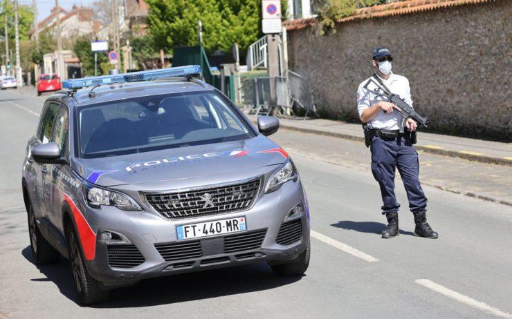 Nantes : un policier frappé au visage sur le parking du commissariat