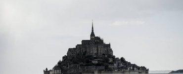 Le Mont-Saint-Michel bientôt dans les mains des cathos identitaires