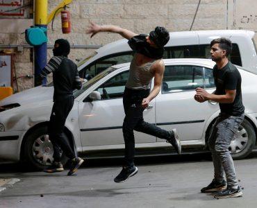 """Israël déclare l'état d'urgence à Lod, ville judéo-arabe """"au bord de la guerre civile"""""""