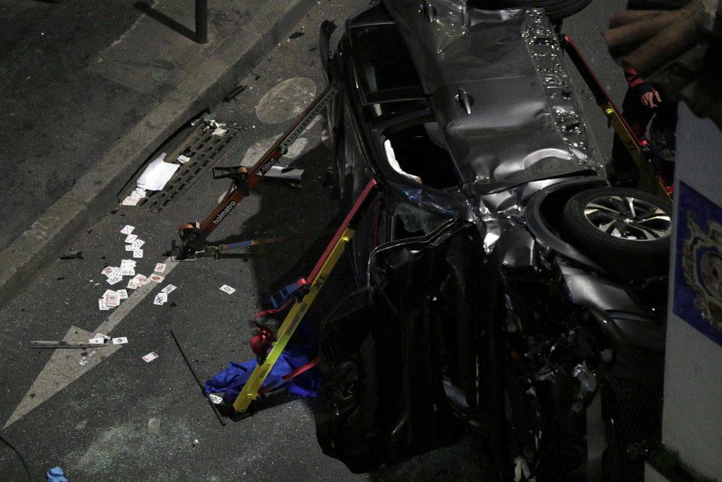 Paris 17e : une femme a été tuée après qu'un automobiliste de « type africain » qui conduisait à pleine vitesse a percuté la terrasse d'un bar, il a pris la fuite en courant (MàJ : Images)