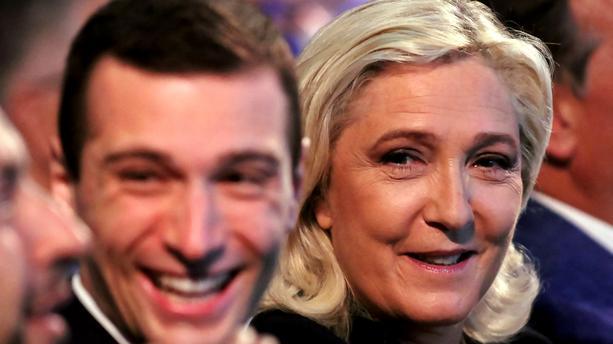 Jordan Bardella remplacera Marine Le Pen à la tête du RN pendant sa campagne présidentielle