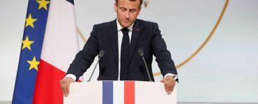 Emmanuel Macron « demande pardon » aux harkis et annonce une loi de « reconnaissance et de réparation »