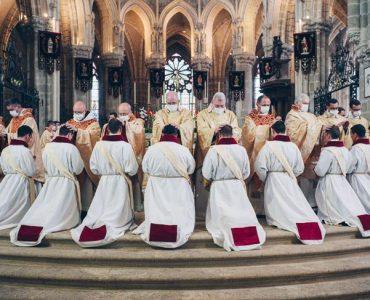 Communauté Saint-Martin, l'avenir de l'Église de France ?