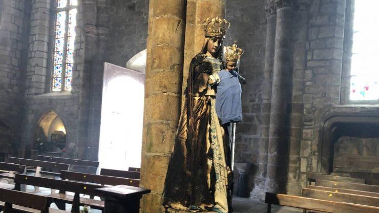 Statue de la Vierge dégradée par un feu à la basilique de Guingamp : « Un incendie volontaire »